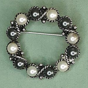 Avon Silver Tone Grey and White Pearl Brooch